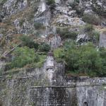 стены нижнего яруса