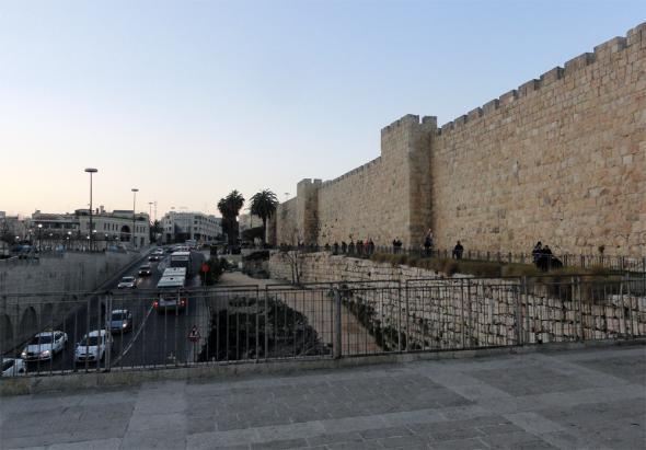 стены Иерусалим